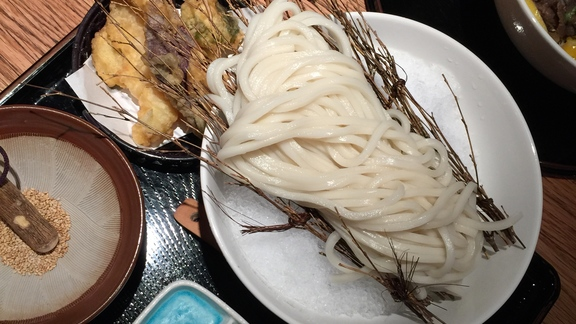 Chef Ethan Speizer reviews Zaru Udon at Udon Mugizo