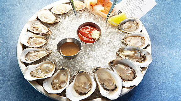 Chef Jeff Fournier reviews Oysters at B&G Oysters