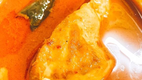braised chicken in Muslim curry  at Roti-Mataba (โรตี-มะตะบะ)