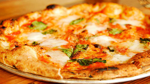 Margherita pizza at Oenotri