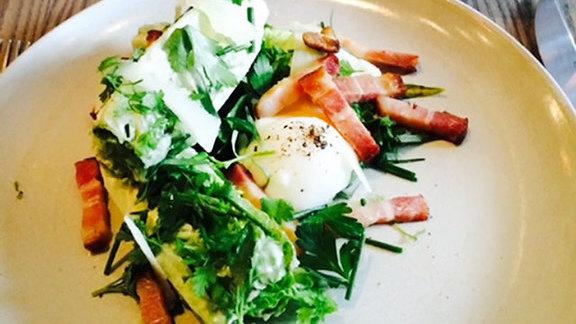 Chef Jöne Pan reviews Little gem salad at Trestle