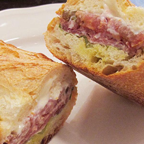 Medium daily sandwiches cured wb