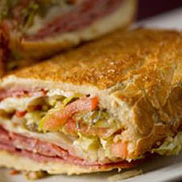 Medium italian sandwich snarf s wb