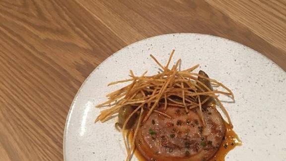 Chef David Posey reviews Porcelet, potatoes, garlic miso, and caramel pork jus at Elske