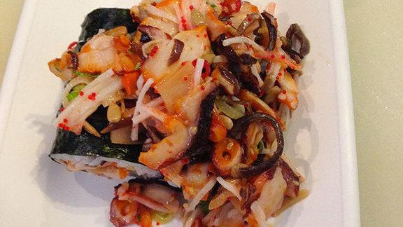 Chef Merlin Verrier reviews Tako roll at