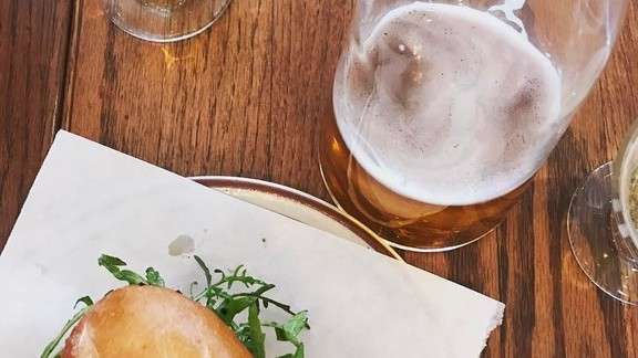 Chef Greg Daniels reviews Craft beer and chorizo fig cheese sandwich at Provisions Market