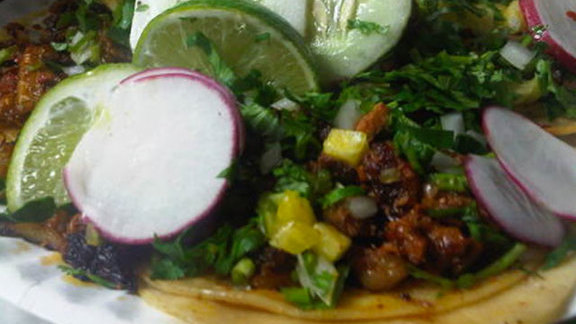 Chef Chaz Brown reviews Tacos al pastor at