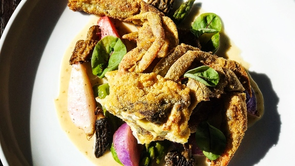 Chef Brannon Florie reviews Softshell, Morrels, Aspargus, Radish, Prosciutto   at The Granary