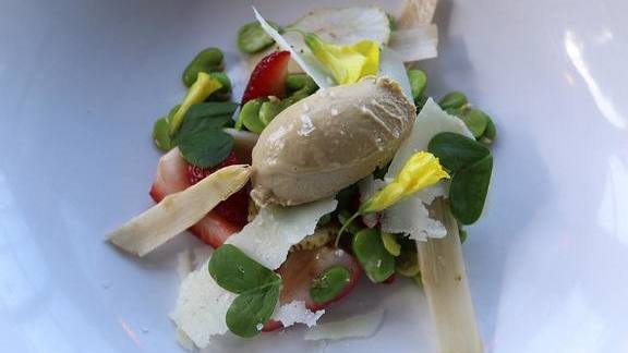 Chef Jonathan Sutton reviews Wild strawberries, fava, foie mousse, pecorino, white asparagus and brioche at Hillside Supper Club