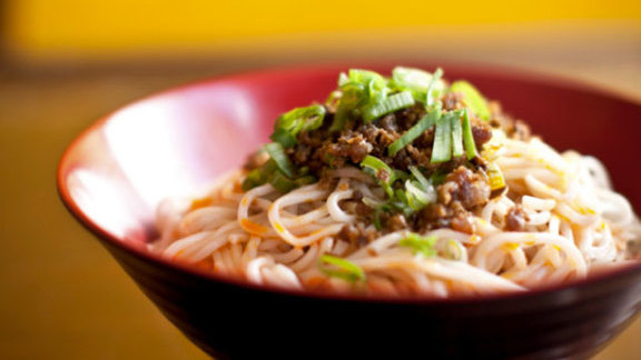 Dan dan noodles at Han Dynasty