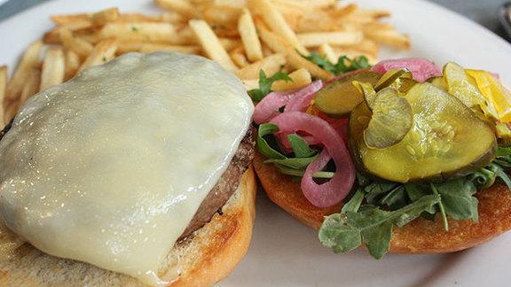 Prather Ranch hamburger at Serpentine