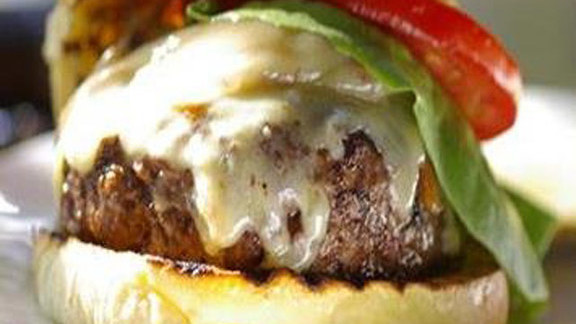Chef Peter McAndrews reviews Rouge burger at