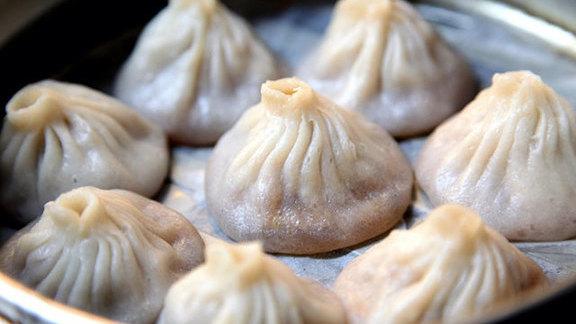 Chef Jared Cannon reviews Shanghai pork soup dumplings at