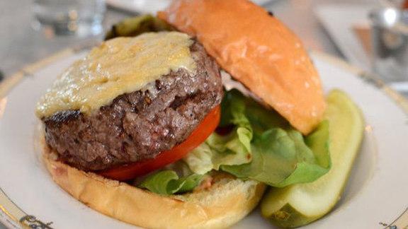 Chef Marc Vetri reviews Village burger at Village Whiskey