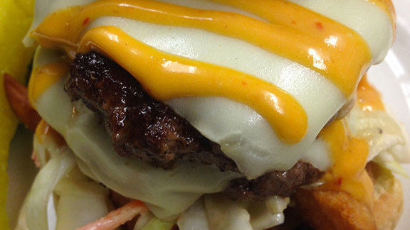 Chef Will Gilson reviews Starlite-style burger at