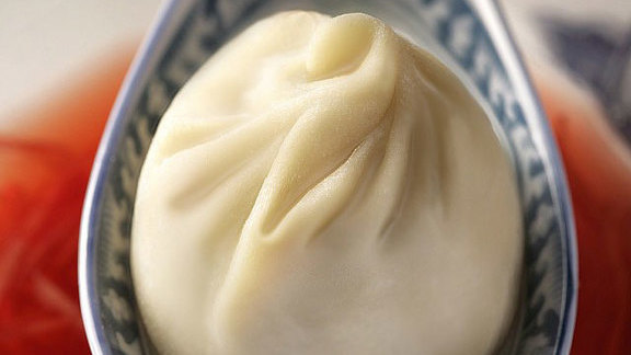Chef Adam Ross reviews Shanghai dumplings at