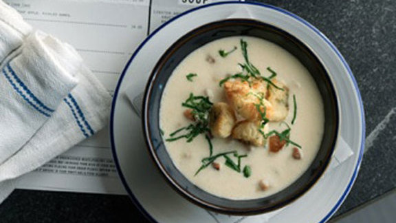 Chef Eric Gregory reviews Local clam chowder at Island Creek Oyster Bar