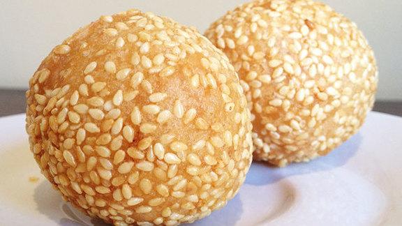 Sesame balls at Ton Kiang