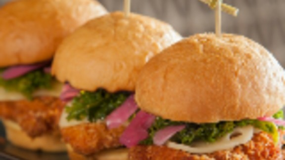 Chef Rio Miceli reviews Fried Jidori chicken sliders at Copper Bar