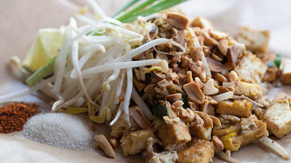 Phad thai rai sen at Little Uncle