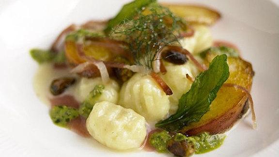 Chef Brian Poe reviews Gnocchi at