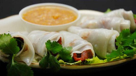 Bánh cuốn thịt nướng at Ba Mien Family Restaurant