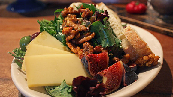 Chef Laurence Jossel reviews Cheese salad at
