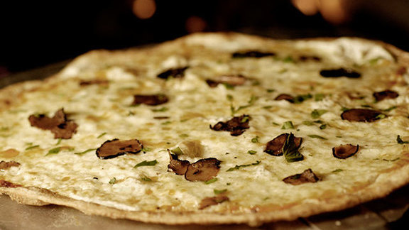 Black & white pizza at Timo