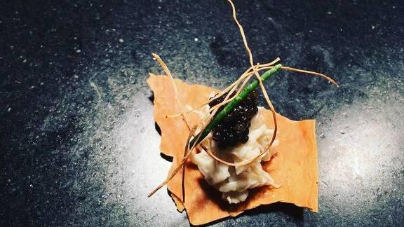 Carolina crab, Siberian osetra caviar, sea asparagus, puffed onion root at Alter