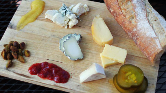 Chef Tony Mantuano reviews Cheese plate at