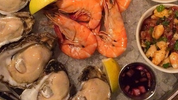Seafood platter at Pêche Seafood Grill