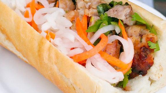 Chef Catherine Pawelek reviews Bánh mì thịt nướng at
