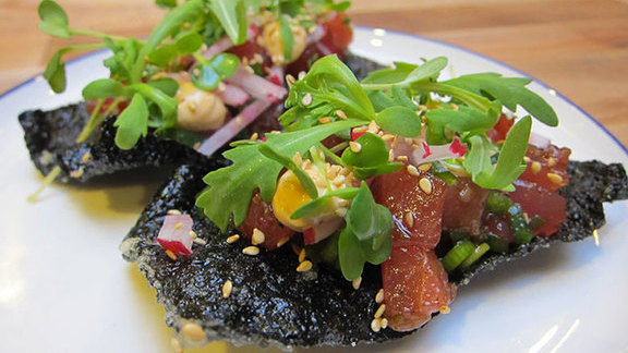 Chef Marisa Churchill reviews Tuna poke at Liholiho Yacht Club