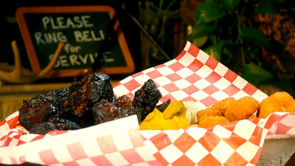 Chef Janice Provost reviews Burnt ends at Pecan Lodge