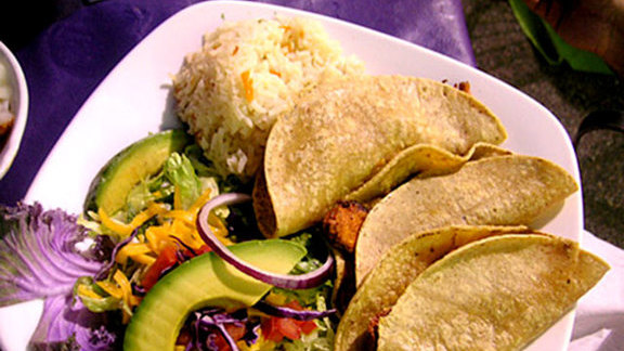Chef Chris Ward reviews Brisket tacos at