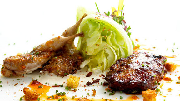 Chef Richard Chamberlain reviews Apricot barbecue glazed Lockhart Texas quail at
