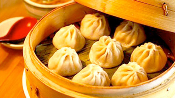 Small juicy steamed dumplings at Jeng Chi Restaurant