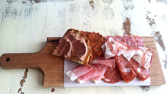 Chef John Tesar reviews Crostini w/ 'nduja at