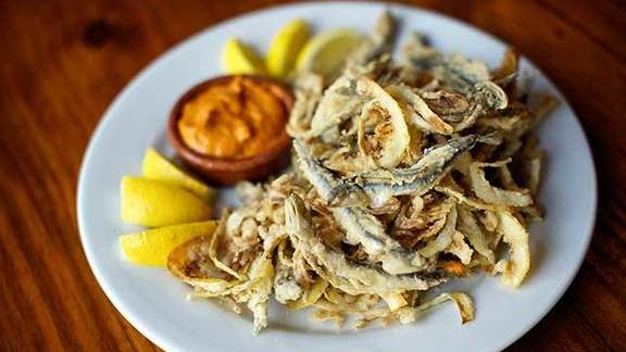 Chef Nong Poonsukwattana reviews Fried Spanish anchovies at