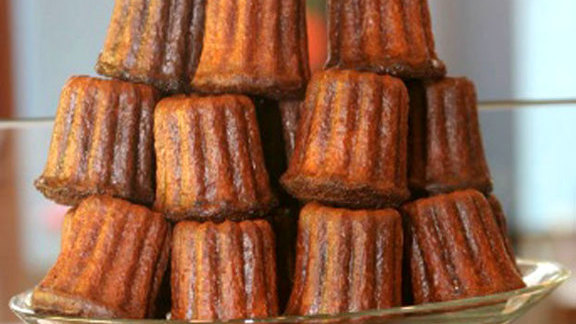Chef Greg Higgins reviews Canelé at