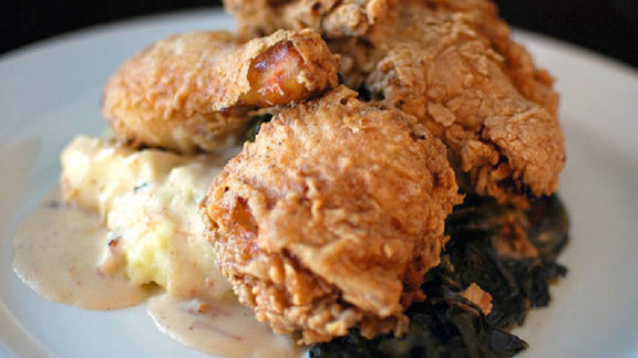 Chef Ken Forkish reviews Draper Valley fried chicken at Irving Street Kitchen