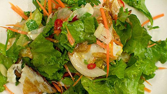 Chef Naomi Pomeroy reviews Yam khai dao at Pok Pok
