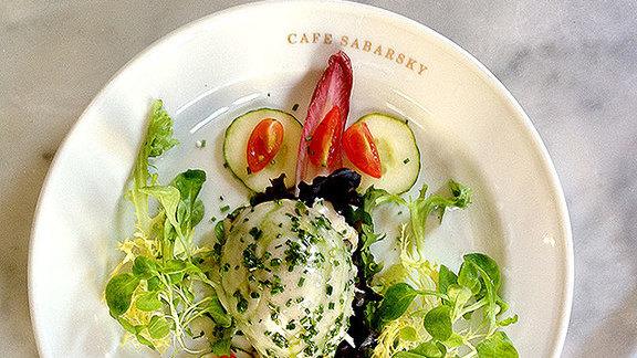 Krabbensalat at Café Sabarsky