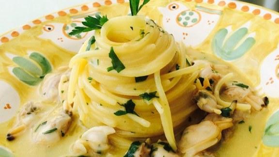 Spaghetti with Clams at La Sponda