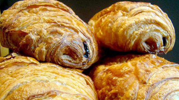 Chef Alexandra Guarnaschelli reviews Pain au chocolat at