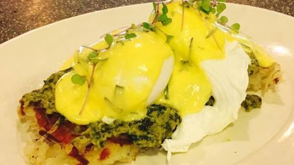 Chef Charlie Ayers reviews Crab Florentine at Calafia Cafe
