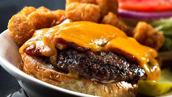 Chef Mario Carbone reviews Bacon-cheddar burger at