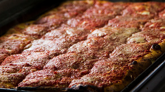 Chef Franklin Becker reviews Sicilian slice at