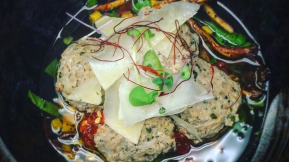 Chef Josh Niernberg reviews Albondigas at Bin 707 Foodbar