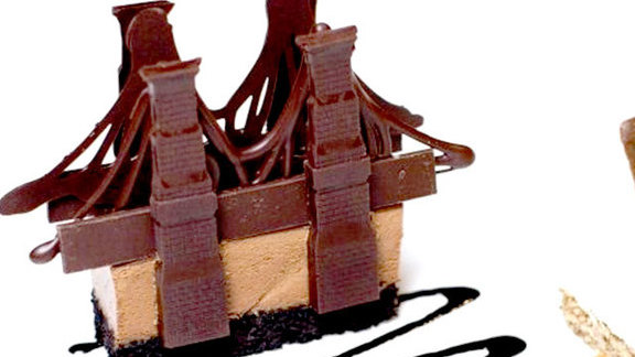 Chef David Burke reviews Chocolate Brooklyn Bridge at